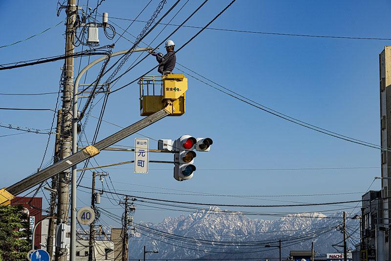 富山の電気工事は(株)ハマデン 電気・通信・放送・空調・防犯